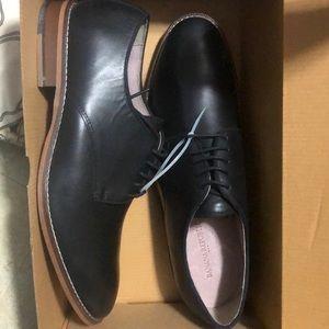 New in box Banana Republic Jeremy Dress shoe